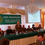 B.Sasin rozpoczyna zjazd, obok J. Przybylski