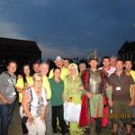 wspólne zdjęcie uczestników rajdu z Nadleśnictwa Smolarz  z miss i misterem rajdu.