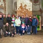 Podczas trasy rowerowej drużyna z Radomia zwiedzała zabytki powiatu ostrowieckiego.