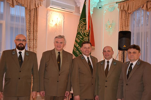 Przewodniczący i 4 Viceprzewodniczących