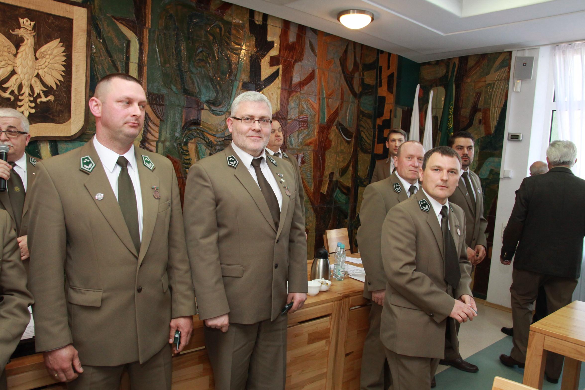 Fot. 3 Odznaczeni Brązową Odznaką  Zasłuzony dla Leśników Polskich